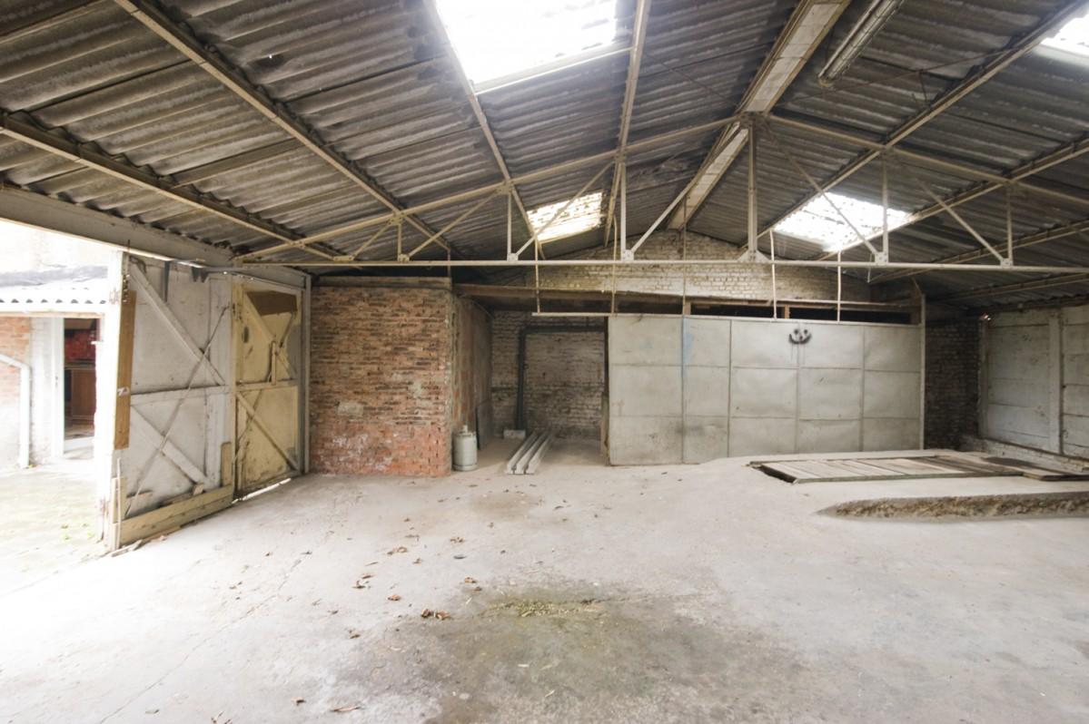 Maison 3 fa ades avec atelier et garage nvn for Vente maison avec atelier