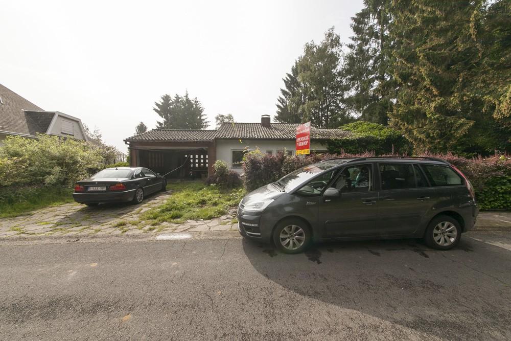 villa avec garage 2 voitures et jardin nvn. Black Bedroom Furniture Sets. Home Design Ideas