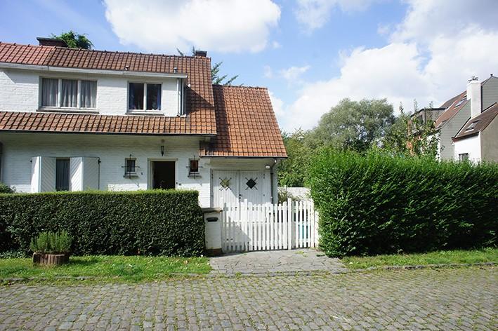 Fabulous elegant maison avec dpendances terrain btir with maison a batir with batir une maison for Batir une maison prix