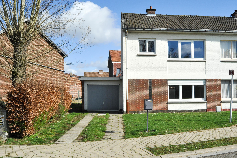 Maison 3-faç., bien située avec jardin et garage
