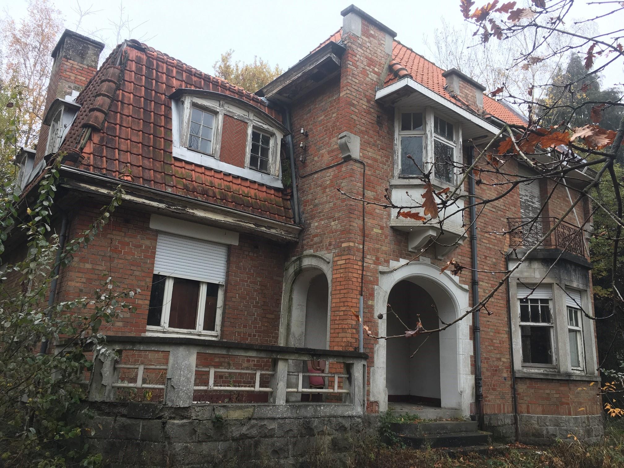 Lot 1 : Villa à rénover complètement + Lot 2 : Parcelle de terrain constructible