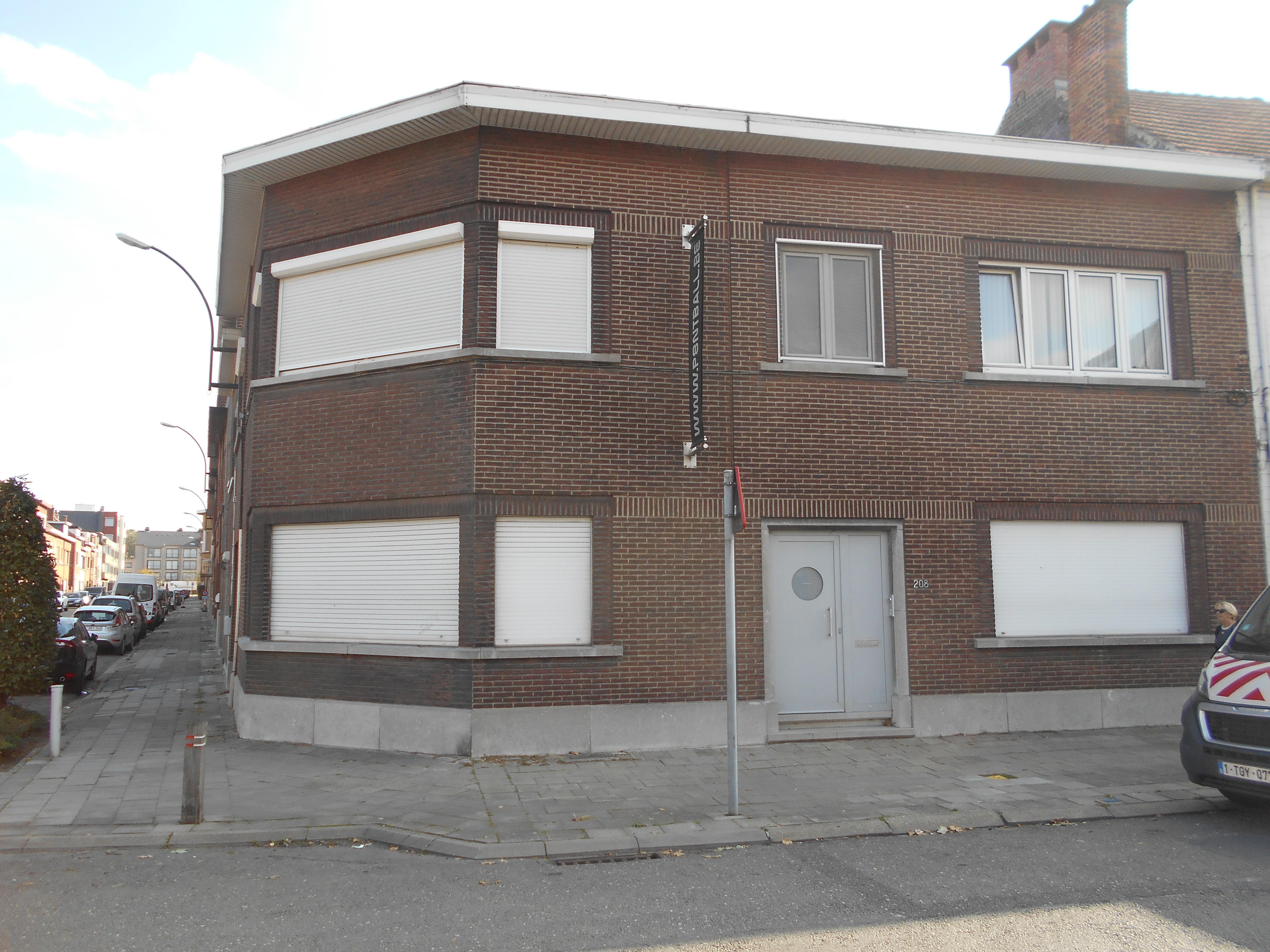 Maison 3-façades avec 3 ch.