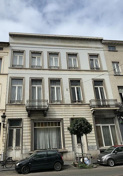 Double immeuble de rapport (17 appartements)