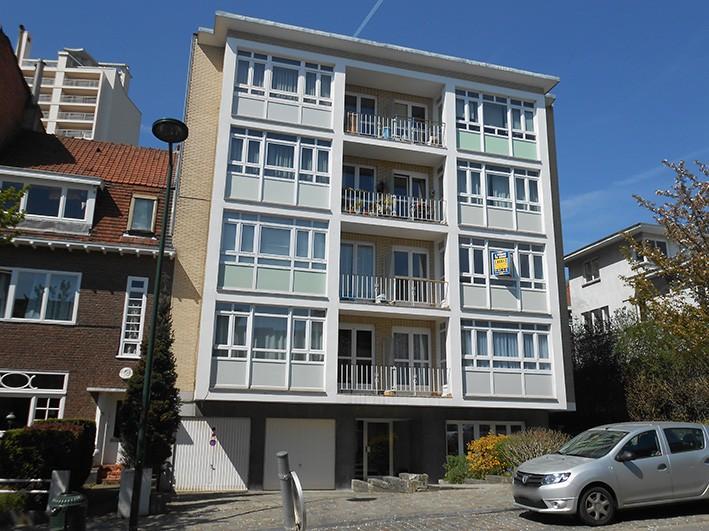 Un appartement avec garage nvn for Appartement garage