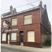 1) Maison d'habition et de commerce (anciennement café)