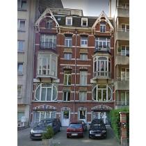 Lot 1 : Appartement au 2e ét. (côté rue) et lot 2: Au rdc. entité comp. de 3 pces avant en enfilade