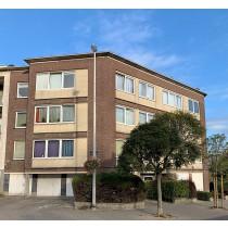 """Appartement n° 2 (et sa cave) au 1e ét. """"centre et Garage(box) n° 1 au rdc."""