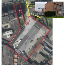 ENSEMBLE IMMOBILIER COMPOSE DE : Une maison d'habitation unifamiliale & Terrain de font av. 44 gar. et entrepôts