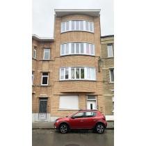 3 appartements  (1e, 2e et 3e étage)