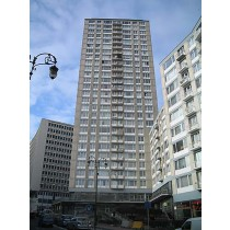 Appartement 2 chambres (83m²) a rénover entièrement