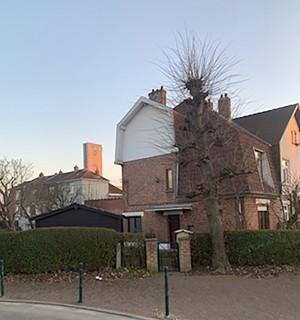 Une maison 3-façades avec 3 ch., garage et jardin